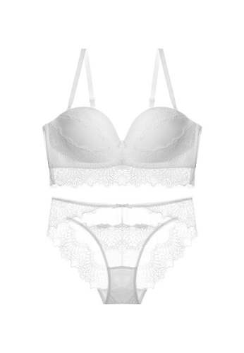 W.Excellence white Premium White Lace Lingerie Set (Bra and Underwear) 93876USDC4C42AGS_1