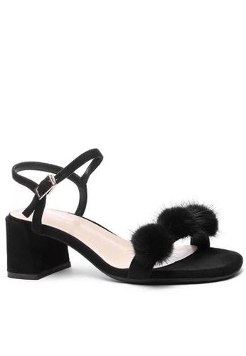 Twenty Eight Shoes Fur Ball Strap MId Heel Sandals 1800-30 F963DSH6B20C4FGS_1