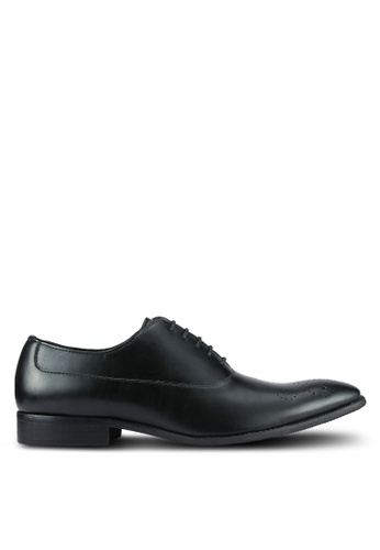 ZALORA black Classic Faux Leather Oxford Shoes 83736AABF7F719GS_1