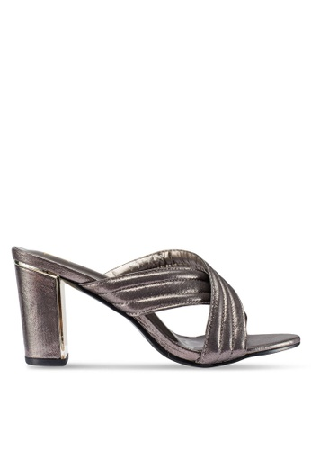 Berrybenka 銀色 金屬感粗跟鞋 54D9ESH5FDA003GS_1