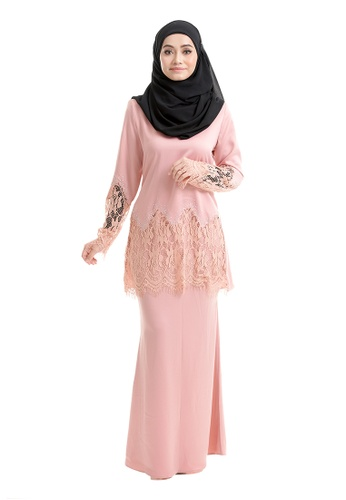 AIMY KURUNG SALMON PEACH from Rasa Sayang in Pink