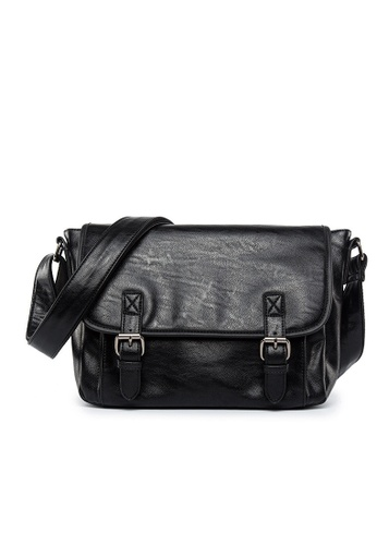 Lara black Men Flap Belt Buckle Cross Body Bag - Black E39C1ACB01F847GS_1