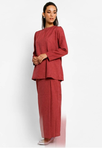 Kurung Lamia in Maroon from BETTY HARDY in Red