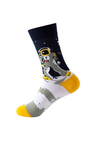 Kings Collection black Astronaut Pattern Cozy Socks (One Size) HS202168 4B8F9AA7367880GS_1