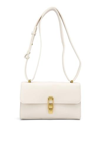 Forever New beige Alexis Antique Clasp Baguette Bag 36D2DACA4A3B0DGS_1