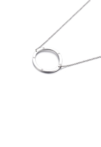Glamorousky 白色 簡約個性英文字母O 316L鋼吊墜配鋯石及項鏈 B7A75ACEC971E8GS_1