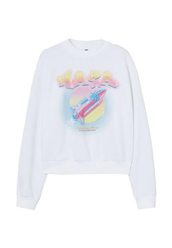 H&M white and multi Sweatshirt 2619AAAA66D78EGS_1
