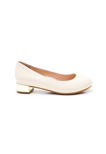 Elisa Litz white Quinn Low Heels (White) A4638SHAD539E2GS_1