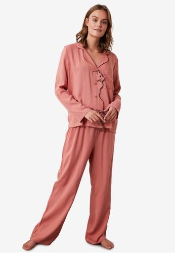 Trendyol pink Embroidered Woven Pajamas Set F31EDAA50E0653GS_1