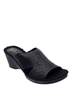 a23a0b9a9114e 10% OFF Hush Puppies Hush Puppies Women s Serena Slip On Wedges - Black RM  359.00 NOW RM 323.10 Sizes 5 6 8 9