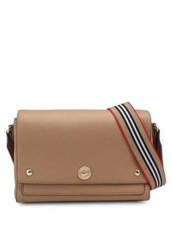 Burberry brown Medium Note Shoulder Bag (zt) E22A8AC5E8DAB8GS_1