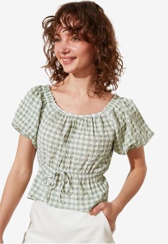Trendyol green Petite Printed Tie Front Detail Top 7032AAA3CC560CGS_1
