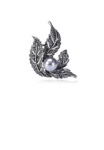Glamorousky black Fashion and Elegant Leaf Grey Imitation Pearl Brooch with Cubic Zirconia 8FD59AC6CC322FGS_1