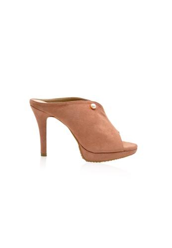 Kiss & Tell brown and beige Kayla Heels in Nutmeg 4BC16SH742819CGS_1