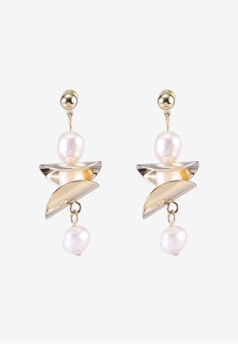 Red's Revenge white Perfect Pearl Stacks Dangle Earrings 5FAF3AC114F044GS_1
