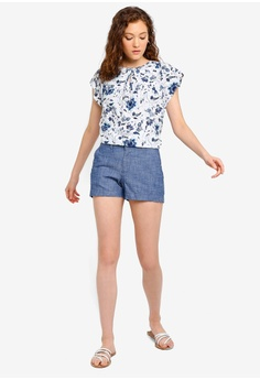 7e47d97c 16% OFF GAP City Chambray Shorts S$ 66.90 NOW S$ 55.90 Sizes 0 2 4 6
