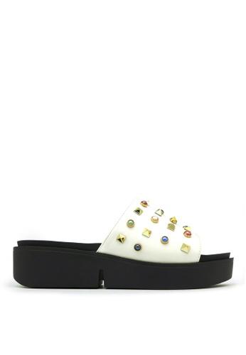 Carlo Rino white Carlo Rino 33370-A001-01 Slide Flat Sandals (White) CCFFBSH1682D3AGS_1