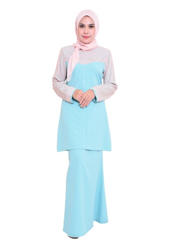 Gulatis Baju Kurung Adora from AALIA in green and blue_1