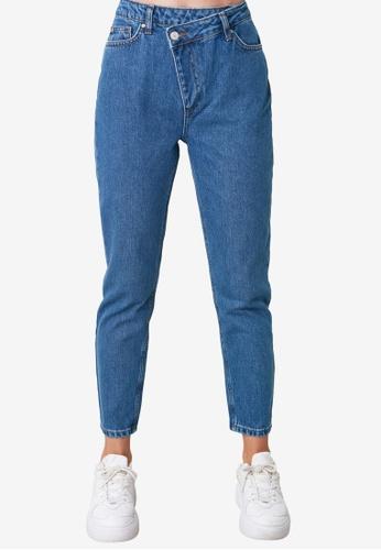 Trendyol blue Asymmetric High Waist Mom Jeans 8AF7FAABBFD6DBGS_1