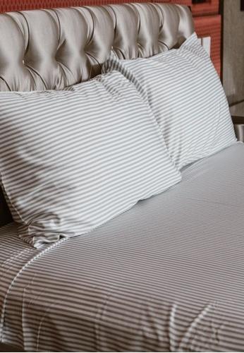 """Linen & Homes multi 100% Bamboo 3 Piece Smoke Stripes Bedsheet Set - Queen Size (60 x 80 x 16"""") 6406CHLF734A79GS_1"""