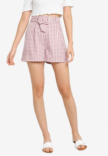 ZALORA BASICS multi Pleat Front Belted Shorts 25218AAFDF29CBGS_1
