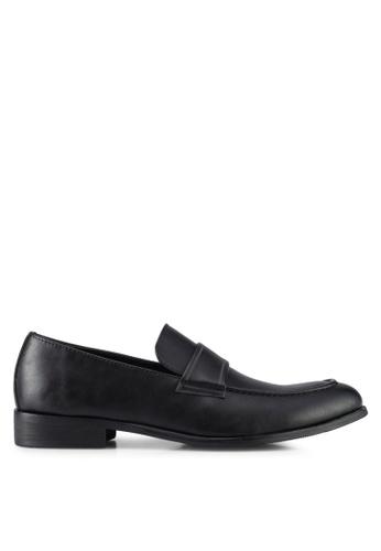 ZALORA black Faux Leather Slip On Dress Shoes 6FD5FSH2C5B4C7GS_1