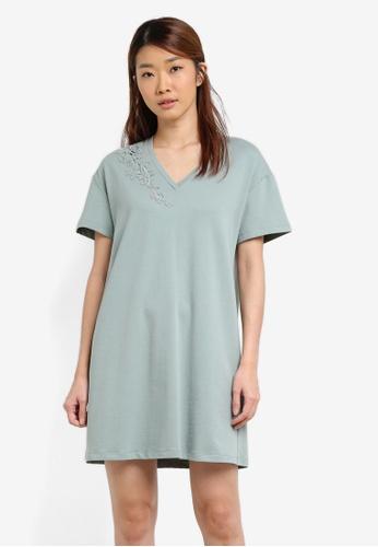 Something Borrowed green Laser Cut Oversized T-Shirt Dress 7A2FFAA3CFA253GS_1