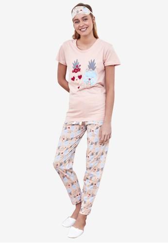 Trendyol pink 2-Piece Printed Pajamas Set 2CB2AAAA338C4DGS_1