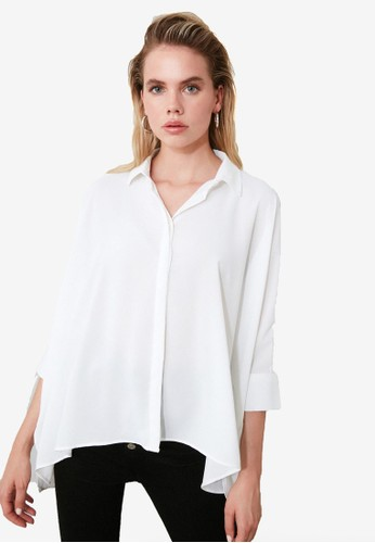 Trendyol white Asymmetrical Oversized Blouse 0FC87AAA344885GS_1