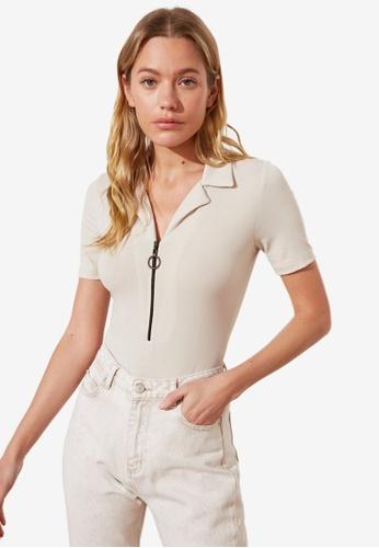 Trendyol beige Zipper Front Knitted Bodysuit 4381AAAAAA997DGS_1
