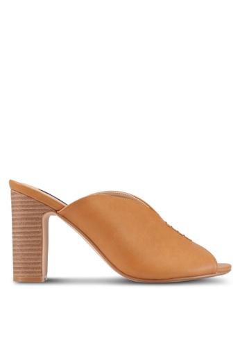 ZALORA brown Front Stitch Detail Heels 4D16DSH94E2A32GS_1