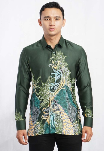 UA BOUTIQUE green Long Sleeve Shirt Batik UABM13-071 (Green) 80BD5AA6F62230GS_1