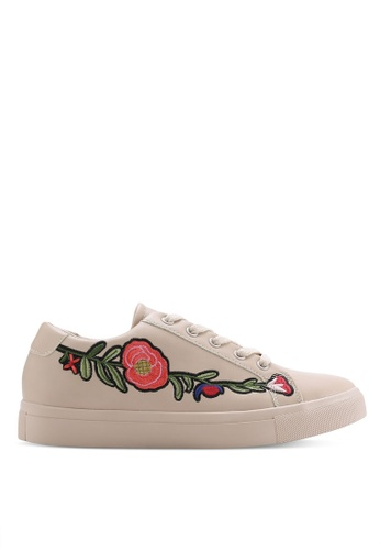 ZALORA beige Floral Embroidery Sneakers B9D5CSH397A2D9GS_1