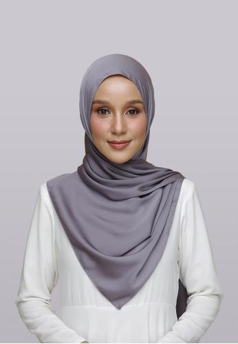 Lady Qomash grey Batcha Eyelash Shawl in Spruced E4009AAD4C6834GS_1