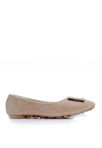 Twenty Eight Shoes 米褐色 簡約方扣平底鞋 VL1322 DB646SH53E5195GS_1