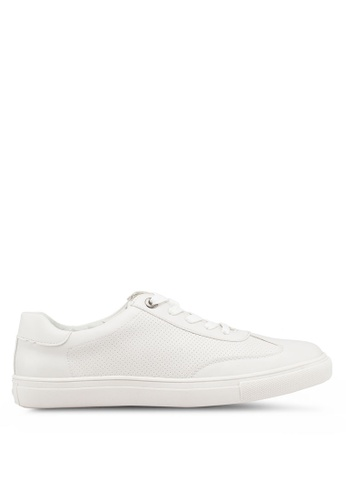 Bata white Round Toe Sneakers 33720SH61AFFE9GS_1
