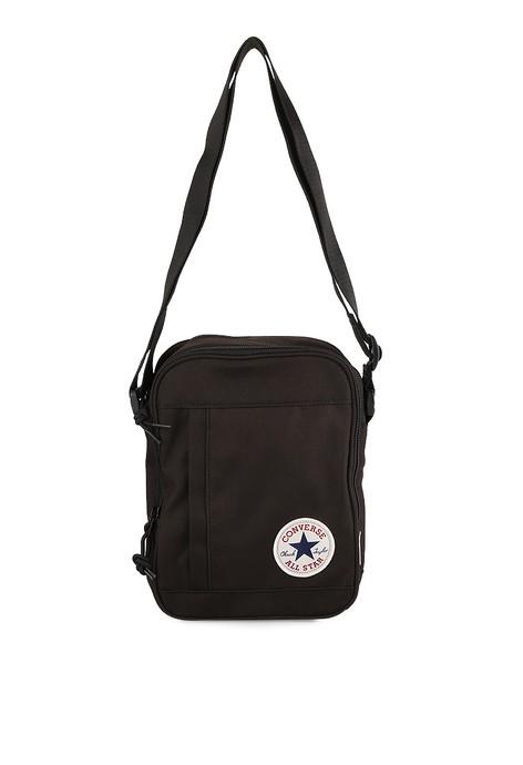 CONVERSE MESSENGER BAG HITAM Home Converse Messenger Bag Hitam .