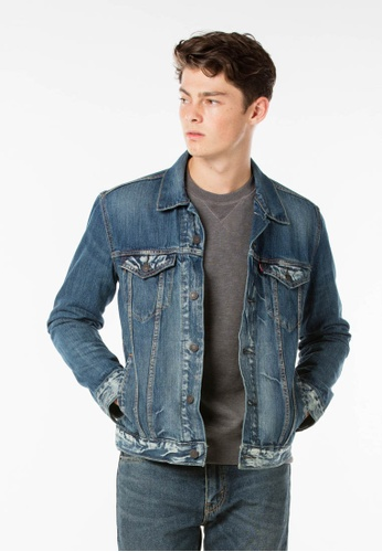 Levi's blue The Trucker Jacket LE843AA37JIKSG_1