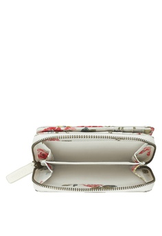 Cath Kidston Field Rose Pocket Purse RM 149.00. Sizes One Size