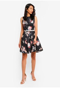 d7903b4bf3fa 18% OFF CLOSET Skater Belted Dress S$ 95.90 NOW S$ 78.90 Sizes 10 12 14