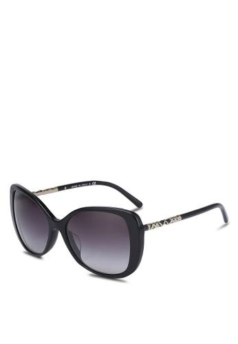 Burberry black Lightweigh BE4238F Sunglasses BU958GL0RORWMY_1