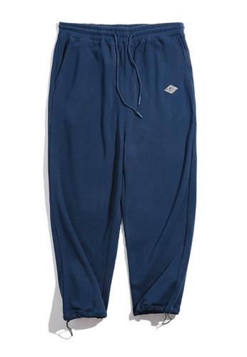 Twenty Eight Shoes 藍色 VANSA  純色針織運動褲  VCM-P1901184 BC94BAA4B9E1EAGS_1