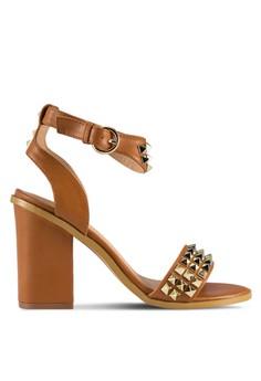 【ZALORA】 鉚釘繞踝帶粗跟鞋