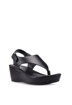 d2da37b7bf5 VINCCI Strappy Sandals RM 89.00. Sizes 6