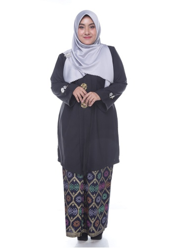 Nayli Plus Size Black Kebaya Labuh from Nayli in Black and Gold