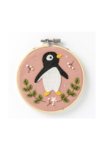 Klosh pink Felt Embroidery Kit - Penguin BEE2DHLDCFD360GS_1