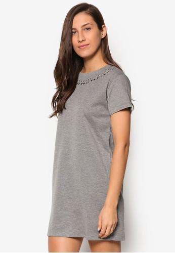 鉚釘圓領連身裙TEE、 服飾、 洋裝SomethingBorrowed鉚釘圓領連身裙TEE最新折價