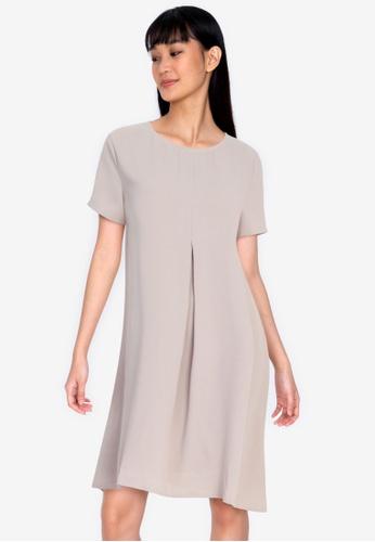 ZALORA BASICS beige Pleat Detail Shift Dress 42A9AAA3EC4276GS_1