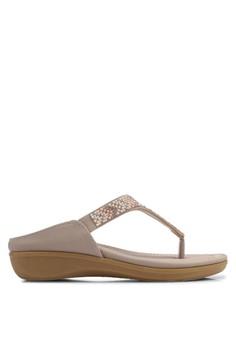 【ZALORA】 民族風水鑽夾腳厚底涼鞋