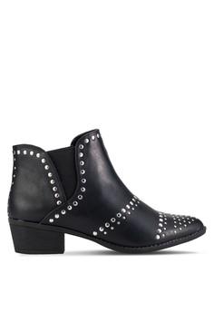 铆钉粗跟靴